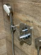 Pedikérní sprcha a pedikérní bruska v jednom (obr. 9)