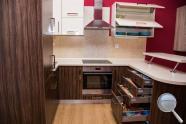 Kuchyně Dara - realizace Oliva Sevila, bílá vysoký lesk